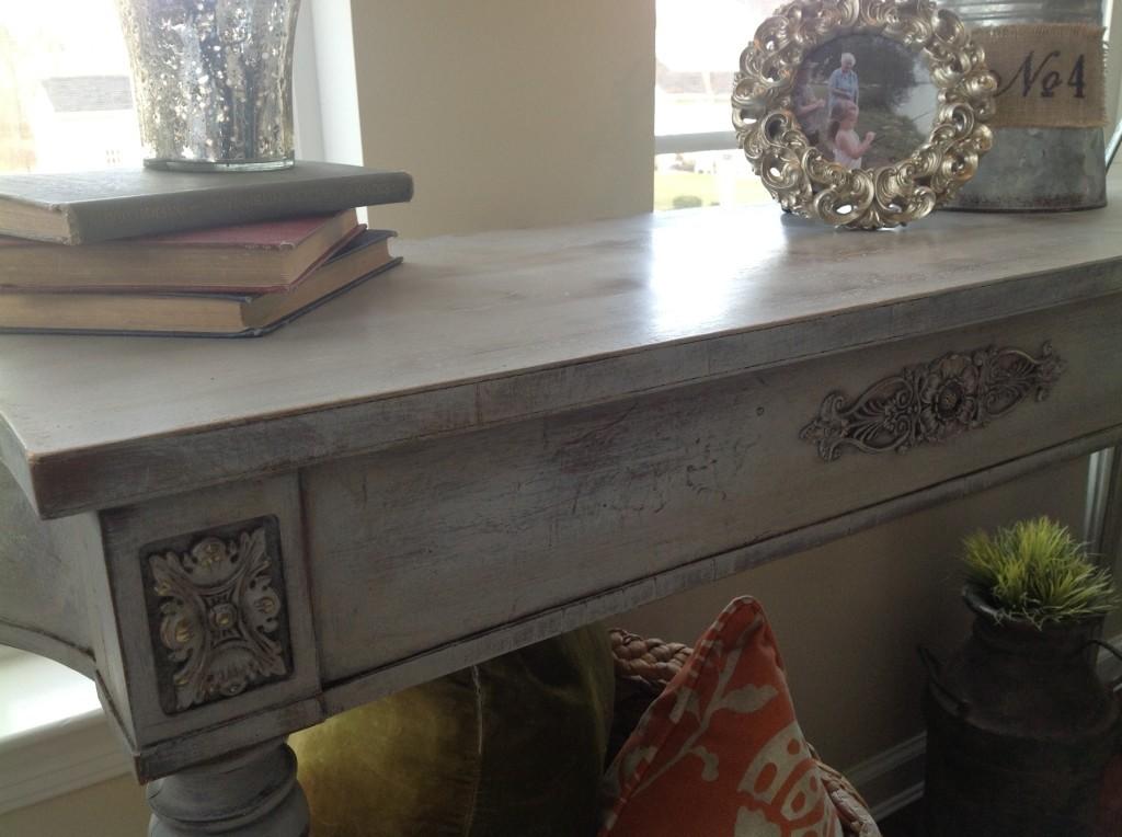 Annie Sloan Chalk Paint DIY Table